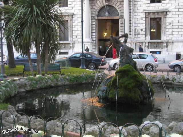 Италия  фонтан в  старой части города