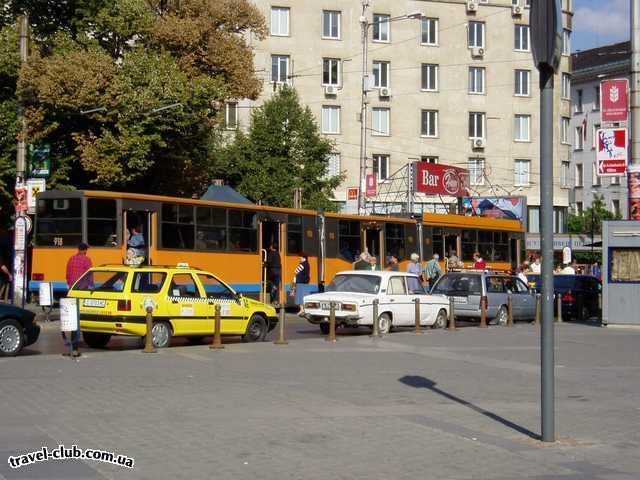 Болгария  София  транспорт у них супер. вот например трамвайчик...