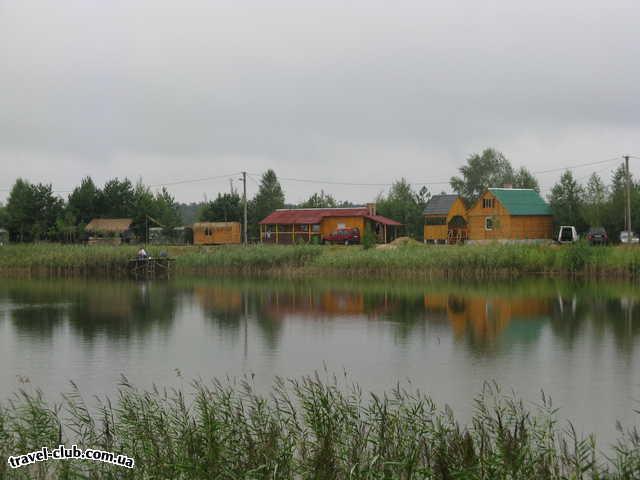 Украина  Рівненська область Корецький район урочище Воронуха  Гарні будинки і баня
