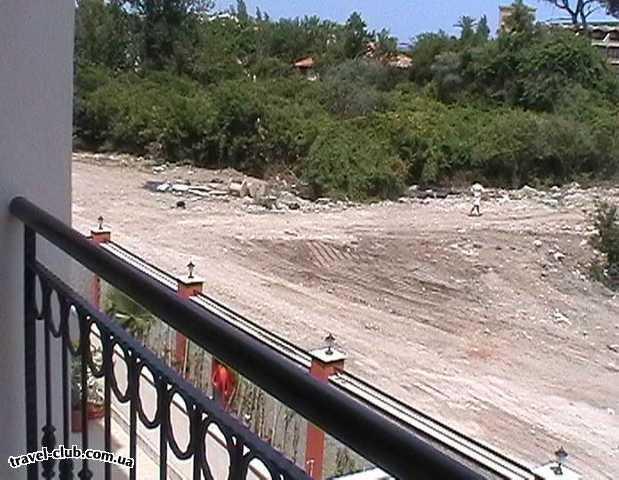 Турция  Кемер  Bella Vue Beach 4*  Вид с балкона на свалку