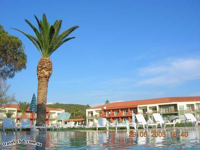 Турция  Кушадасы  Pine Bay Beach Club HV-1  Отель из бассейна