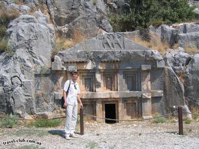Турция  Сиде  Taksim international side 5*  Некоторые гробницы имеют вход в несколько  метров друг