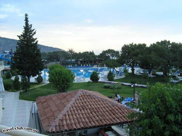 Турция  Кемер  Rixos hotel beldibi 5*  Вид на бассейн с итальянского ресторана