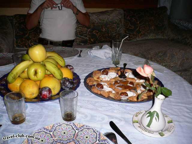 Марокко  Agadir Beach club  фрукты и сладости..