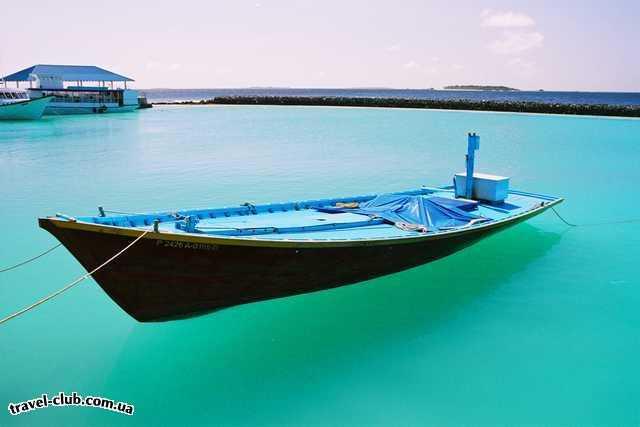 """Мальдивские о-ва  А лодка то-""""парит""""!"""