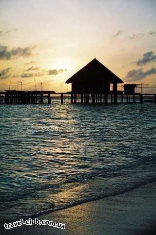 Мальдивские о-ва  Восход на о.Мидуппару.