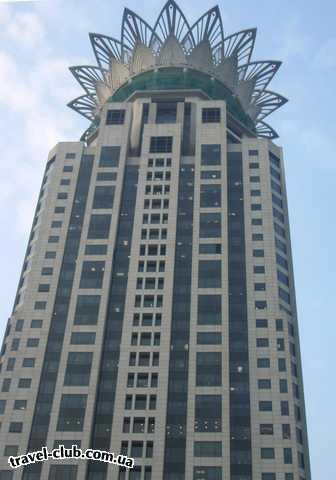 Китай  Шанхай, небоскрёб с короной, ориентир рынка...