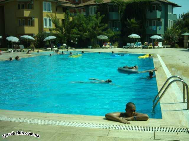 Турция  Алания  Green Fugla Beach (4 ****)  А енто один из бассейнов отеля глубина 1,76 м.