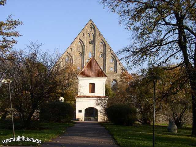 Эстония  Таллинн  Женский монастырь, который сгорел во время войы. Все чт