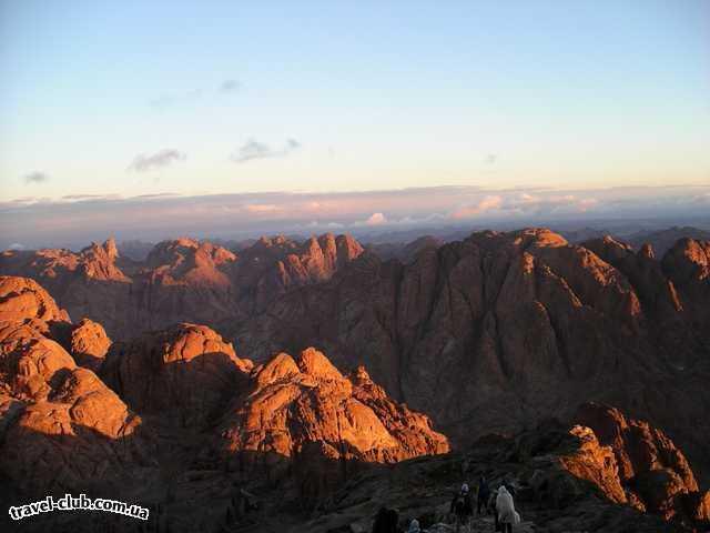 Египет  Шарм Эль Шейх  Sheraton 5*  Гора Моисея. Потрясающе красивое зрелище. Вот только т�