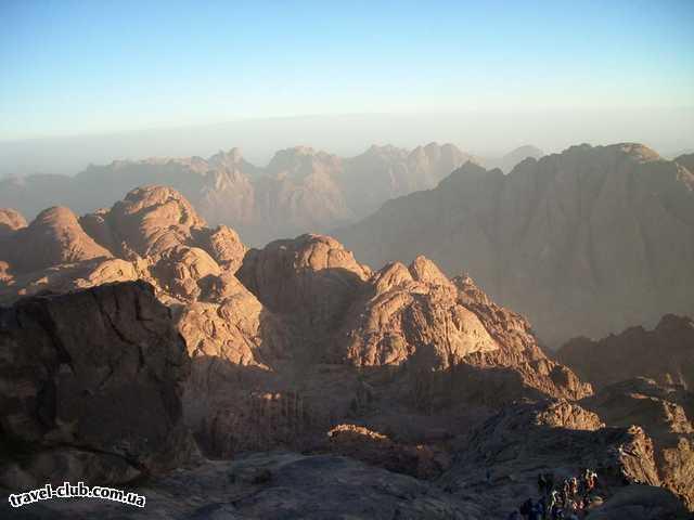 Египет  Шарм Эль Шейх  Hauza Beach Resort 4+ (Ex. Calimera)  После восхода... горные вершины..