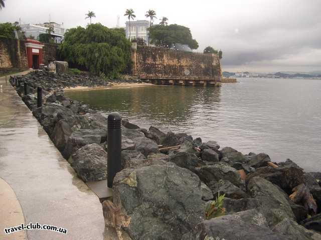 Пуэрто-Рико  Сан Хуан  Это дорожка вдоль стен бастиона. Здесь живёт невероятн