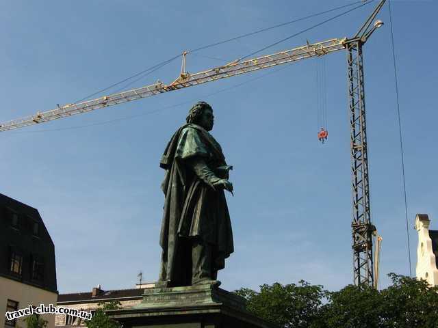 Германия  Бонн  Памятник Бетховену