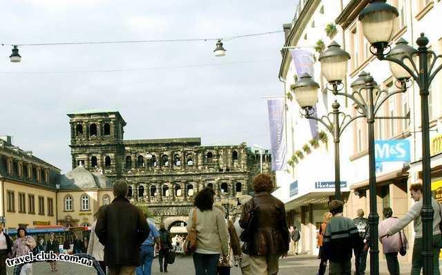 Германия  Райнланд-Пфальц  Трир. Porta Nigra (Чёрные ворота) Охраняются ЮНЕСКО