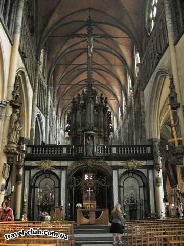 Бельгия  Брюгге  Церковь св. Девы Марии. Главный Алтарь и орган