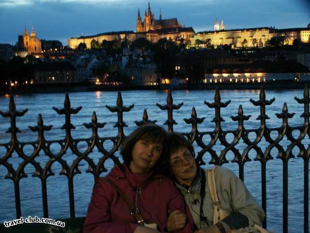 Чехия  Прага  Орлик  Прага: вид на Малу страну ночью со стороны Пороховой ба