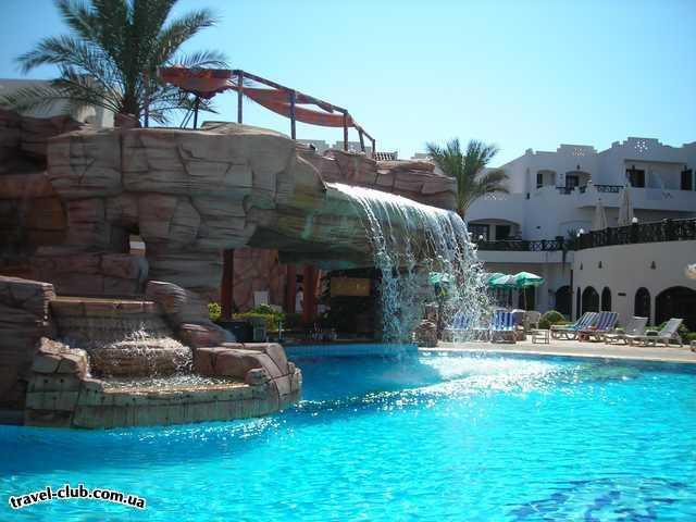 Египет  Шарм Эль Шейх  бассейн в отеле с водопадом