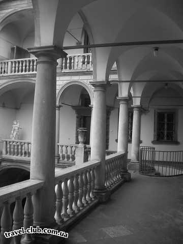 Украина  Львов  Grand Hotel****  Итальянский Дворик