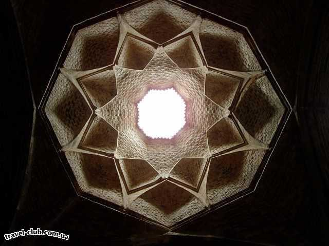 Иран  Исфахан  Купол мечети изнутри