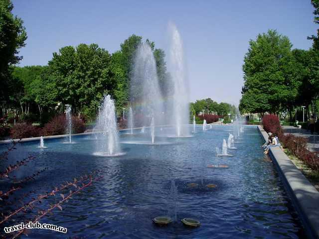 Иран  Исфахан  Исфахан, городской сквер
