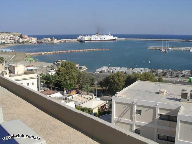 Греция  Вид на город Ретимно. Слева венецианский порт, живопис�