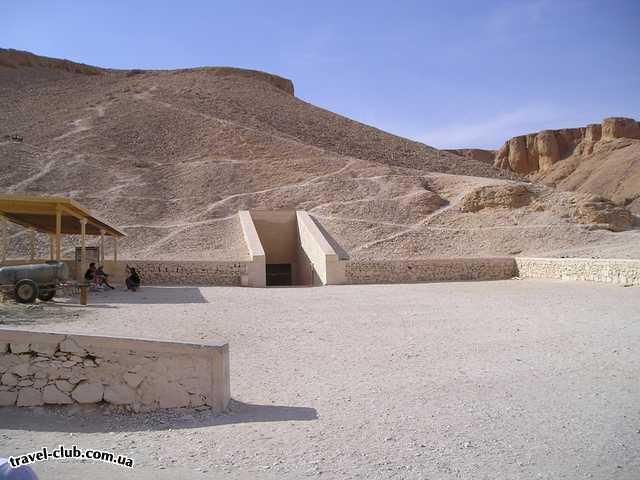Египет  Достопримечательности  Карнакский храм (Луксор)  Гробница, помойму тутанхамона