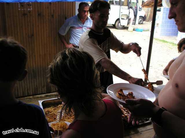 Турция  Экскурсии  Рафтинг  Обед стандартный - куриный шашлык, макароны, салат. Нап�