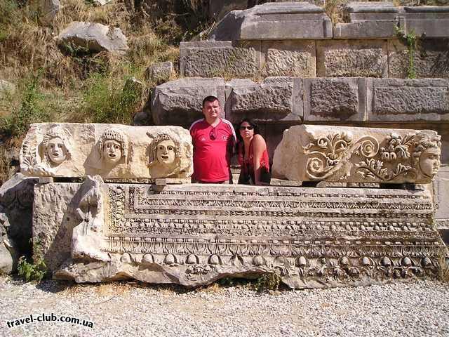 Турция  Экскурсии  Мира-Кекова  Кекова - амфитеатр и захронения в скалах