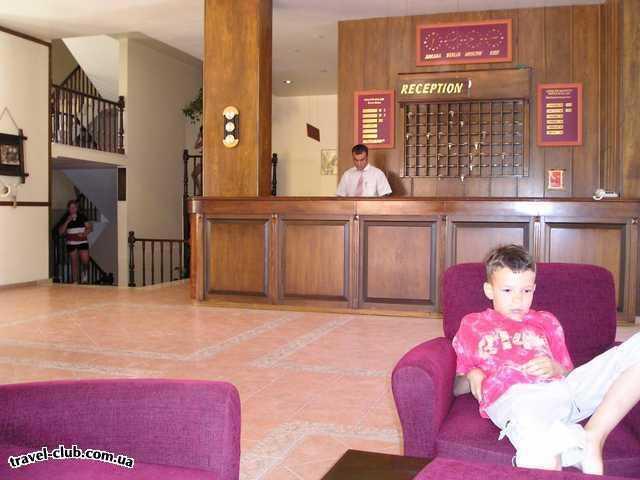 Турция  Кемер  Garden Life 4*  Рецепшен отеля, небольшой, слева сзади в пределах стой�