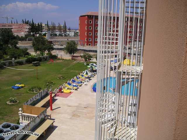 Турция  Кемер  Garden Life 4*  Вид на бассейн с углового номера с видом на горы.Видов �